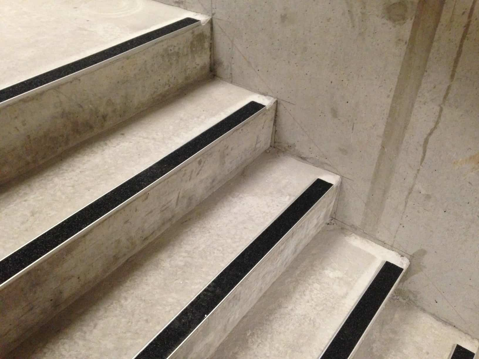 10 Mm Stair Nosing Installed On Concrete
