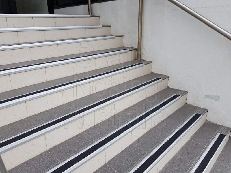 stair nosing for ceramic tiles